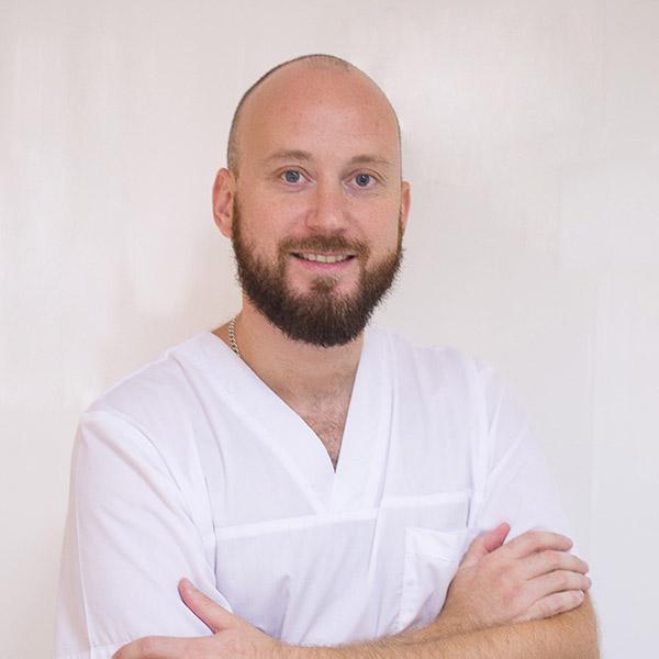 Лечение кариеса, пломбирование зубов 8